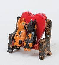 Статуэтка КОТ и КОШКА на диване с сердцем