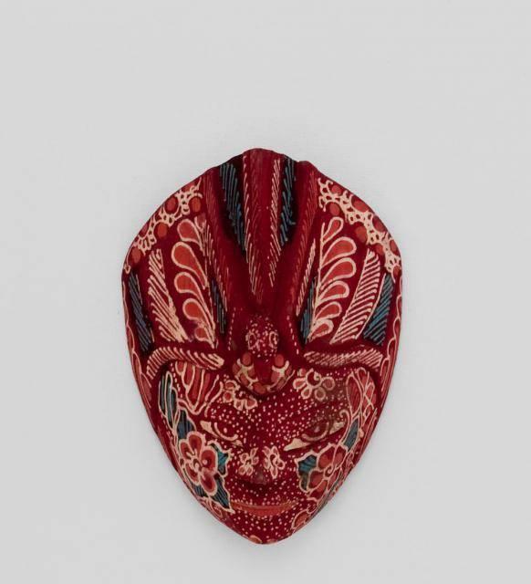 """Интерьерная маска """"Райская птица"""" (батик, о.Ява) красн. 15см"""