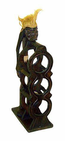 """Подставка для трех бутылок, стилизованная фигуркой аборигена """"Асмат"""" 55см."""