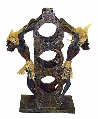Подставка для трех бутылок с фигуркой аборигена 47см