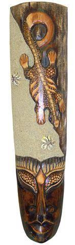 Маска 50см. , авторская резьба, сюжет: ящерица геккон