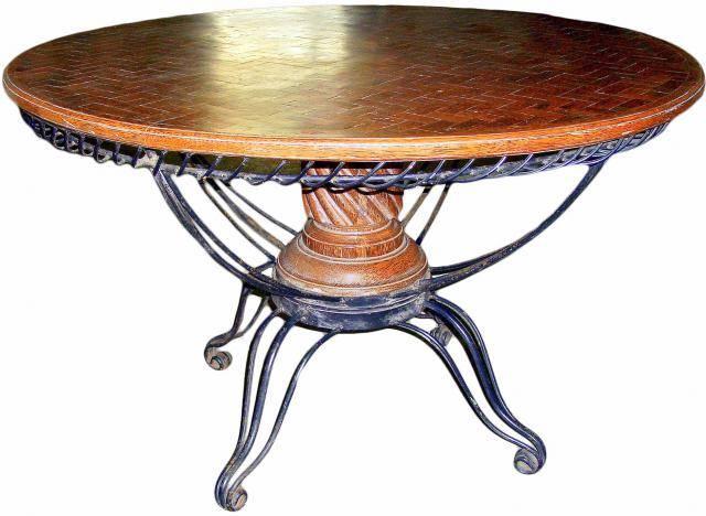 Стол обеденный, винтажный, колониальный стиль год производства 1956