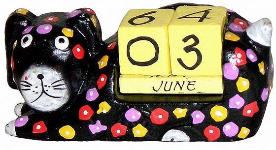 """Календарь настольный с фигуркой животного """"Спящий щенок"""" 13х5см."""