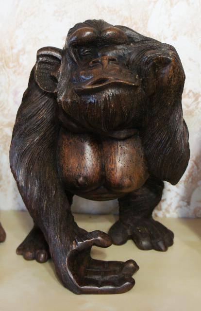 Статуэтка обезьяны «не вижу» 25х18х22