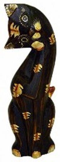 Деревянная фигурка 'Кошка с лапкой у мордочки' 25см.