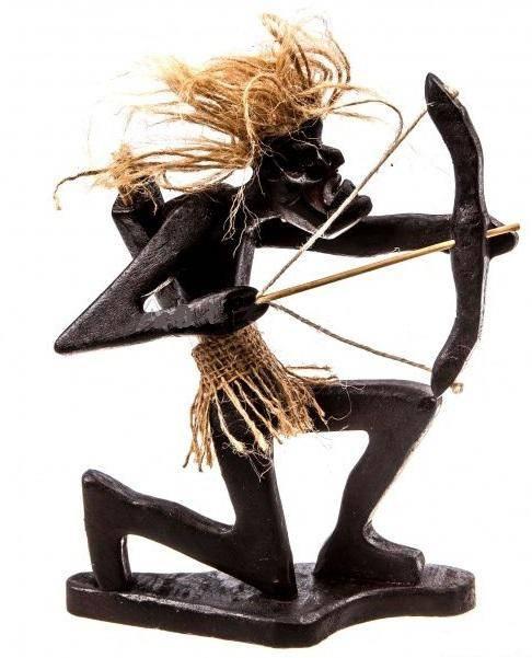 Фигурка аборигена Лучник 20 см.