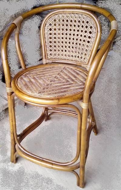Барное кресло из ротанга Дакота