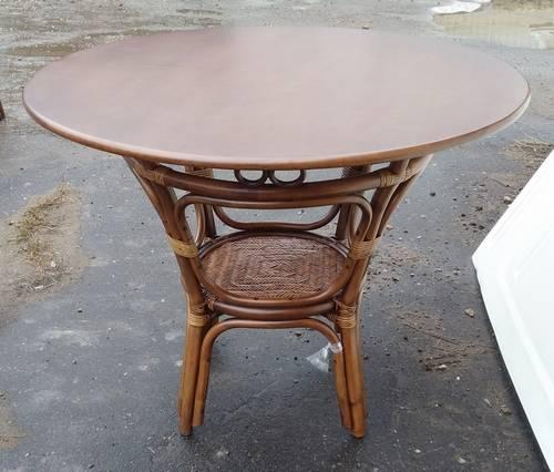 Стол обеденный Дакота с деревянной столешницей