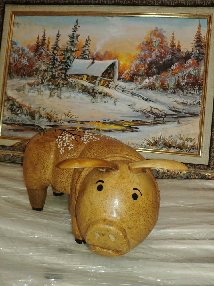 Фигурка свинки из корня бамбука 15см