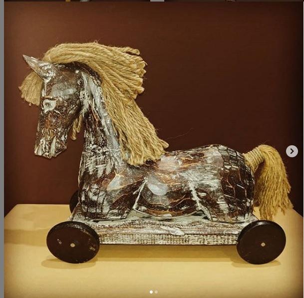 Фигурка Лошадь в стиле ретро 40 см