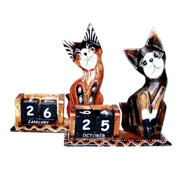 Сувенир календарь и фигурка Кошки 16 см