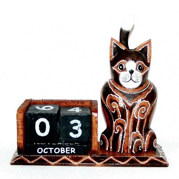 Сувенир настольный календарь и Кот 19 см