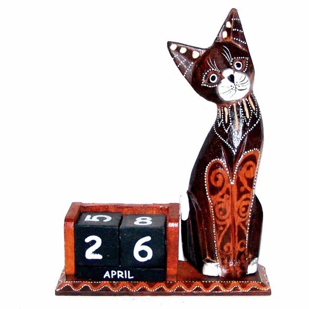 Сувенир настольный календарь с фигуркой Кошка 26 см