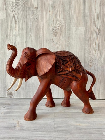 Фигура резная Слон с попоной 40 см.