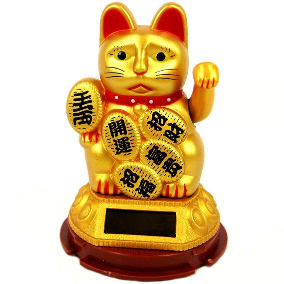 Статуэтка золотой Манеки на солнечной батарее 9см