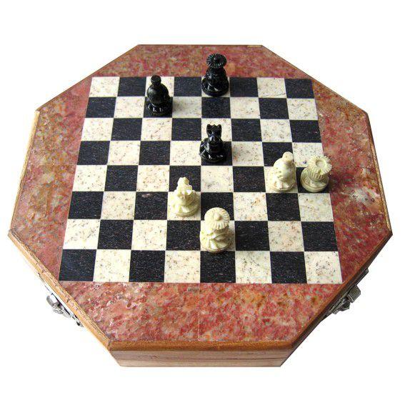 Подарочные шахматы дерево, камень