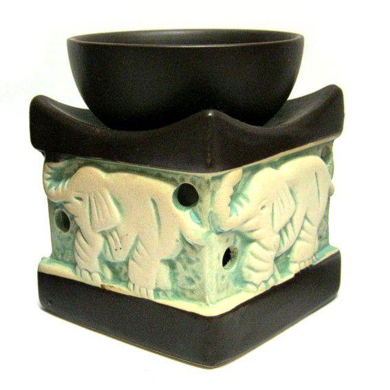 Аромалампа из керамики Слоны 8см