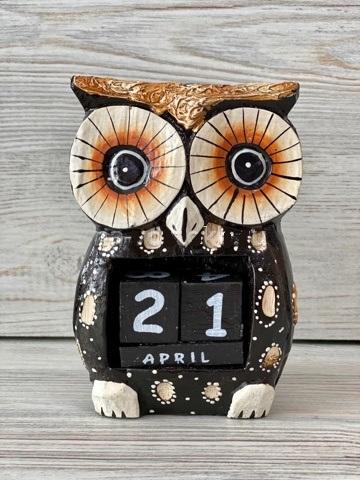 Вечный календарь сова иглоногая 13см