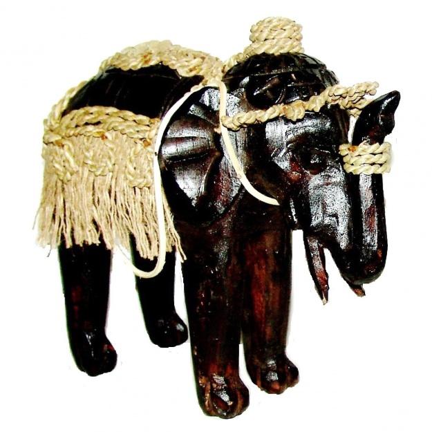 Статуэтка резная Слон с попоной 23 см.