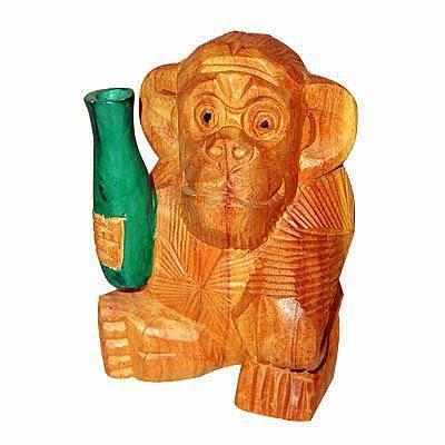Фигурка Обезьянка с бутылкой 16см. Из дерева тик, авторская резьба