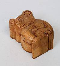 Сувенир с секретом КОАЛА 12х9 см. (красное дерево)