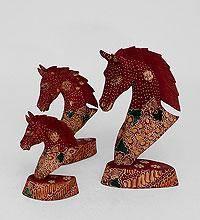"""Фигурка из дерева """"Лошадь"""" (батик, о.Ява)"""