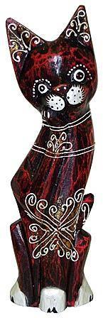 Деревянная фигурка, кот с лапой у мордочки 30см.